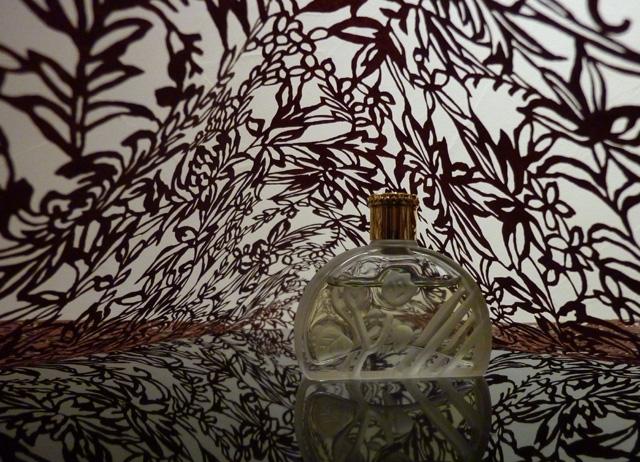更紗と香水.jpg