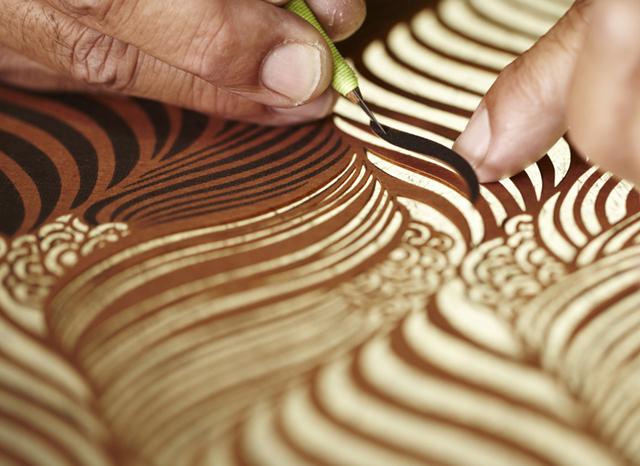 carving scene1.jpg